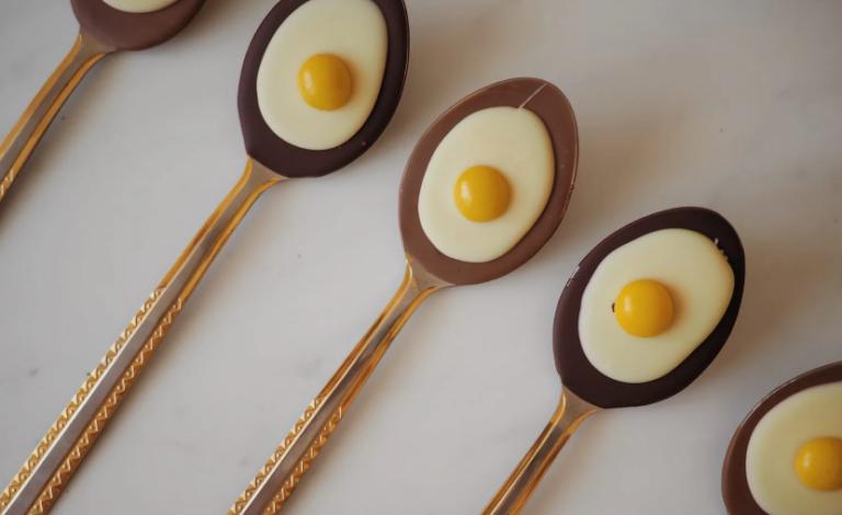 РЕЦЕПТ: Јајца на око за еден поинаков Велигден
